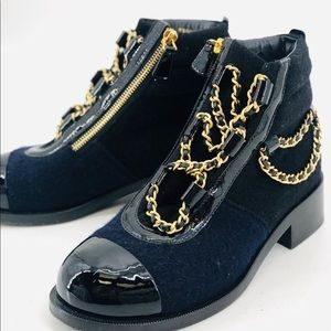Chanel blue wool and black leather chain boots